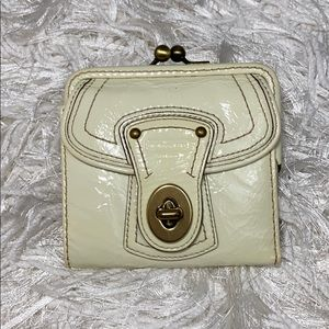 Coach Legacy Francine Wallet •Like New•Pearl Ivory